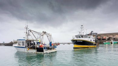 UK threatens retaliation after France detains British vessel in fishing dispute